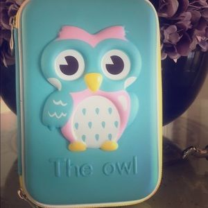 A stylish owl pencil case for any ages